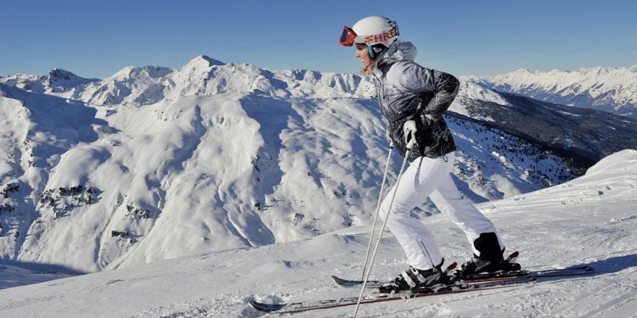 SNG Soorten skiers modemeisje